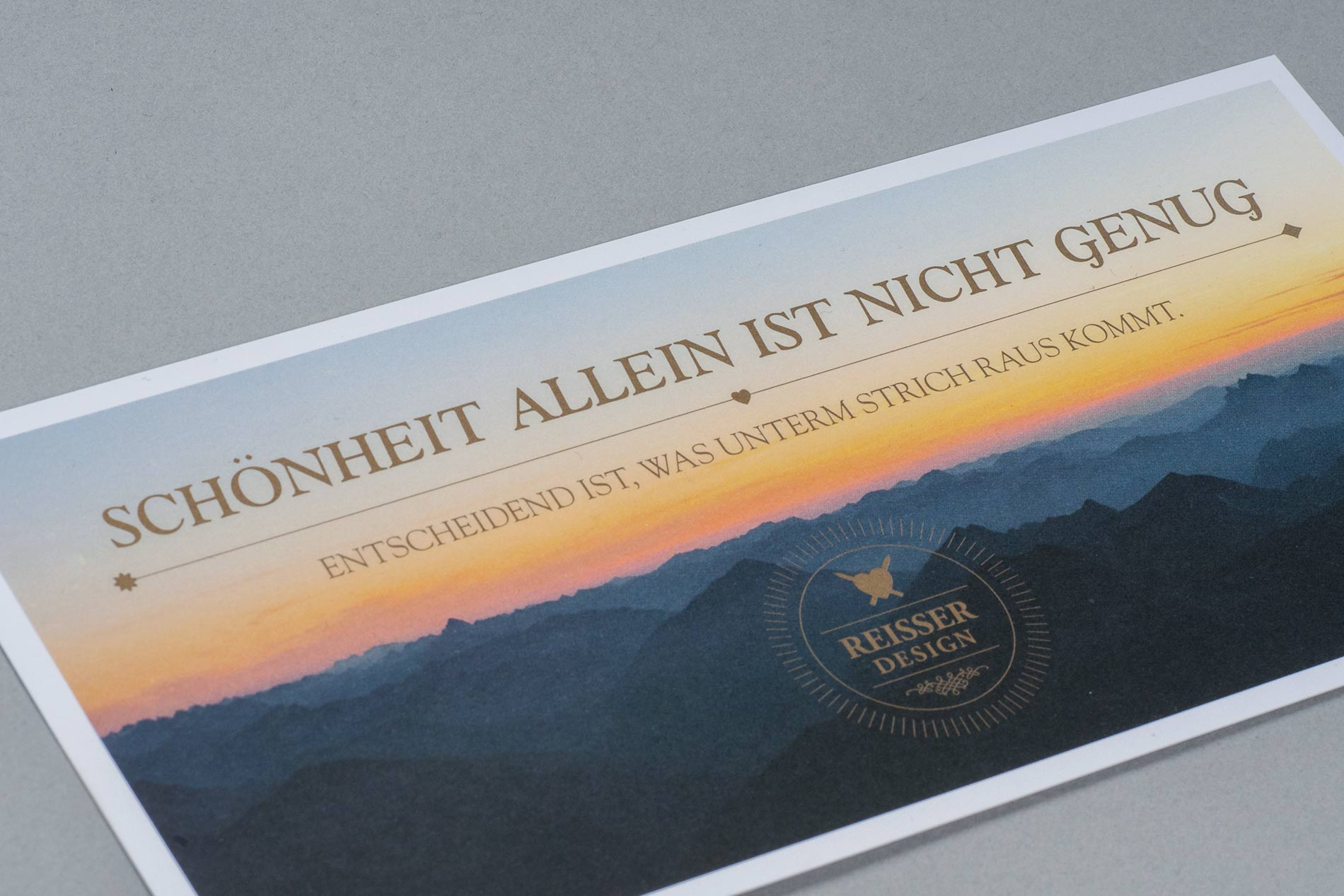 Janina-Lermer-Markengestaltung-Branddesign-Corporate-Design-Reisserdesign-Grusskarte-Greetingcard