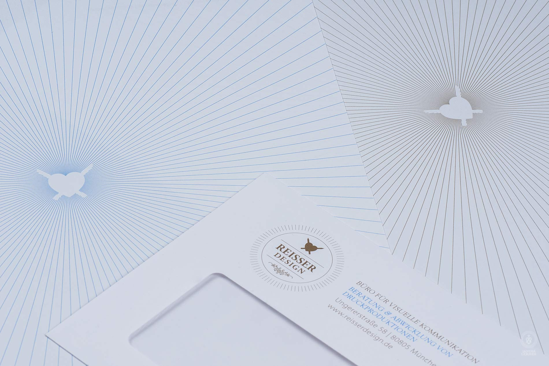 Janina-Lermer-Markengestaltung-Branddesign-Corporate-Design-Reisserdesign-Stationary-Briefpapier-Backside-Rueckseite-Briefkuvert-evnevlope