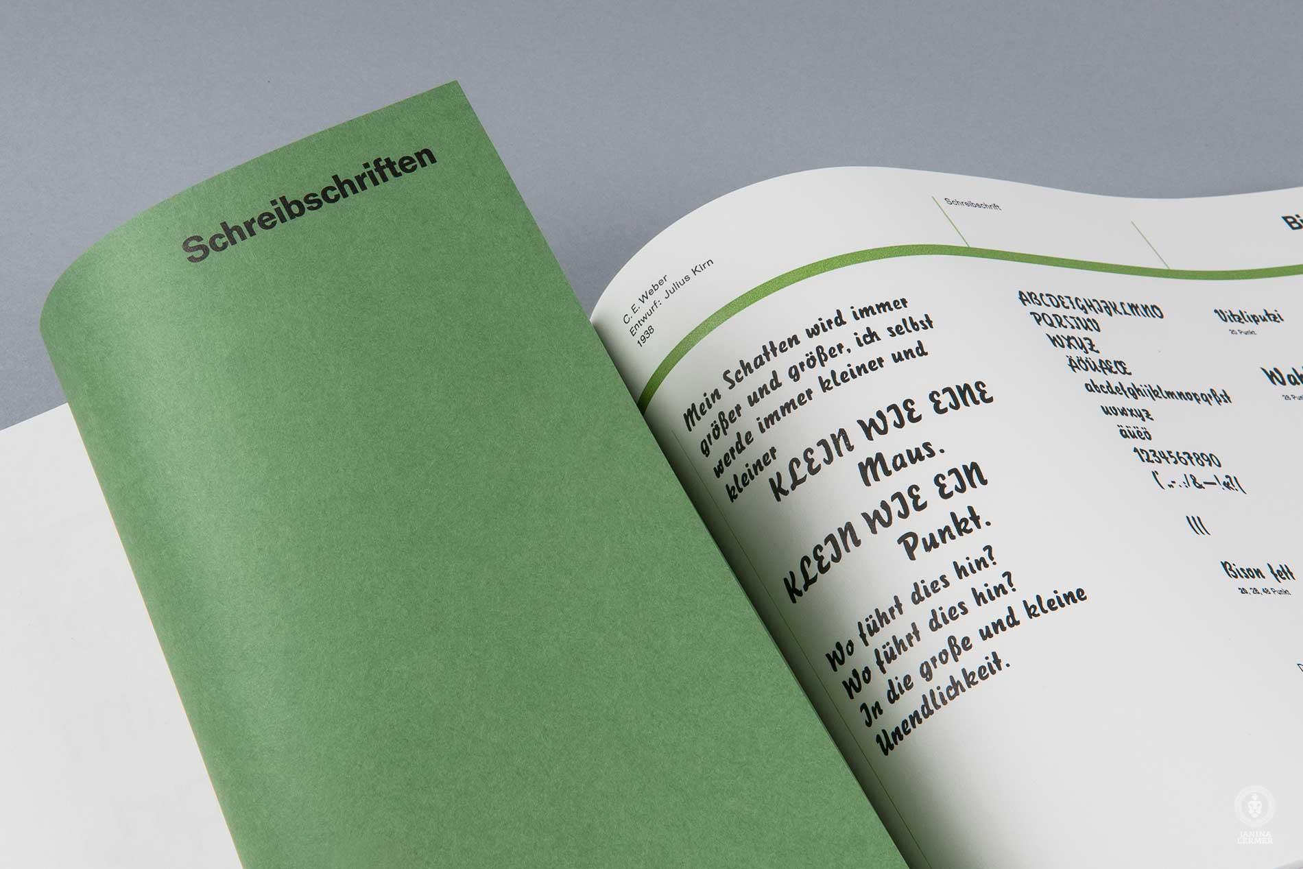 Janina-Lermer-Buchgestaltung-Magazingestaltung-Editorialdesign-Bleisatz-Metalype-Schreibschriften-Script-Handgedruckt-Handprinted-Werkstatt-Fliegenkopf