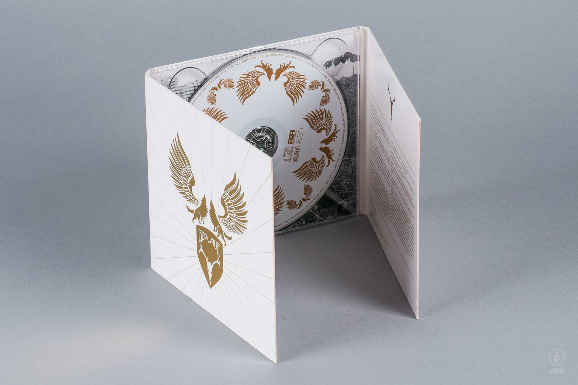 Janina-Lermer-Verpackungsgestaltung-Packagingdesign-CD-Cover-Band-Godwave