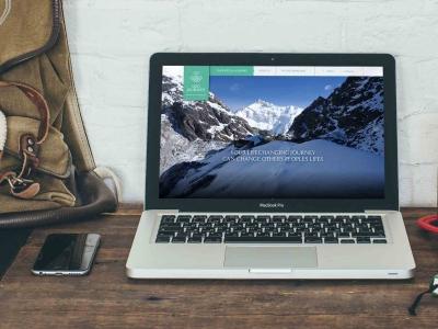 Webseitengestaltung-Webdesign-Travelcompany-Reisefirma-Himalaya-Dzo-Journey-MacBook-Startseite