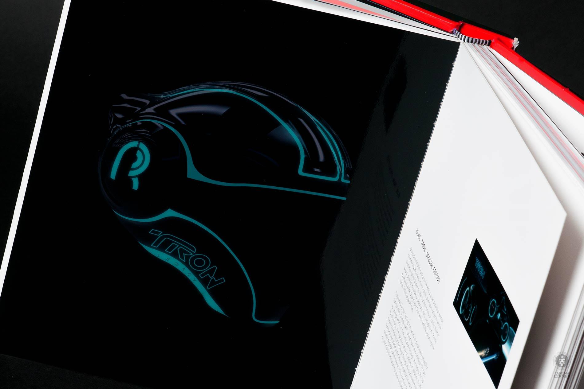 Janina-Lermer-Markenentwickung-Markengestaltung-Branddevelopment-Branddesign-Del-Rosario-Markenbuch-Brandbook-Innen-Inside-Glowing-in-the-dark