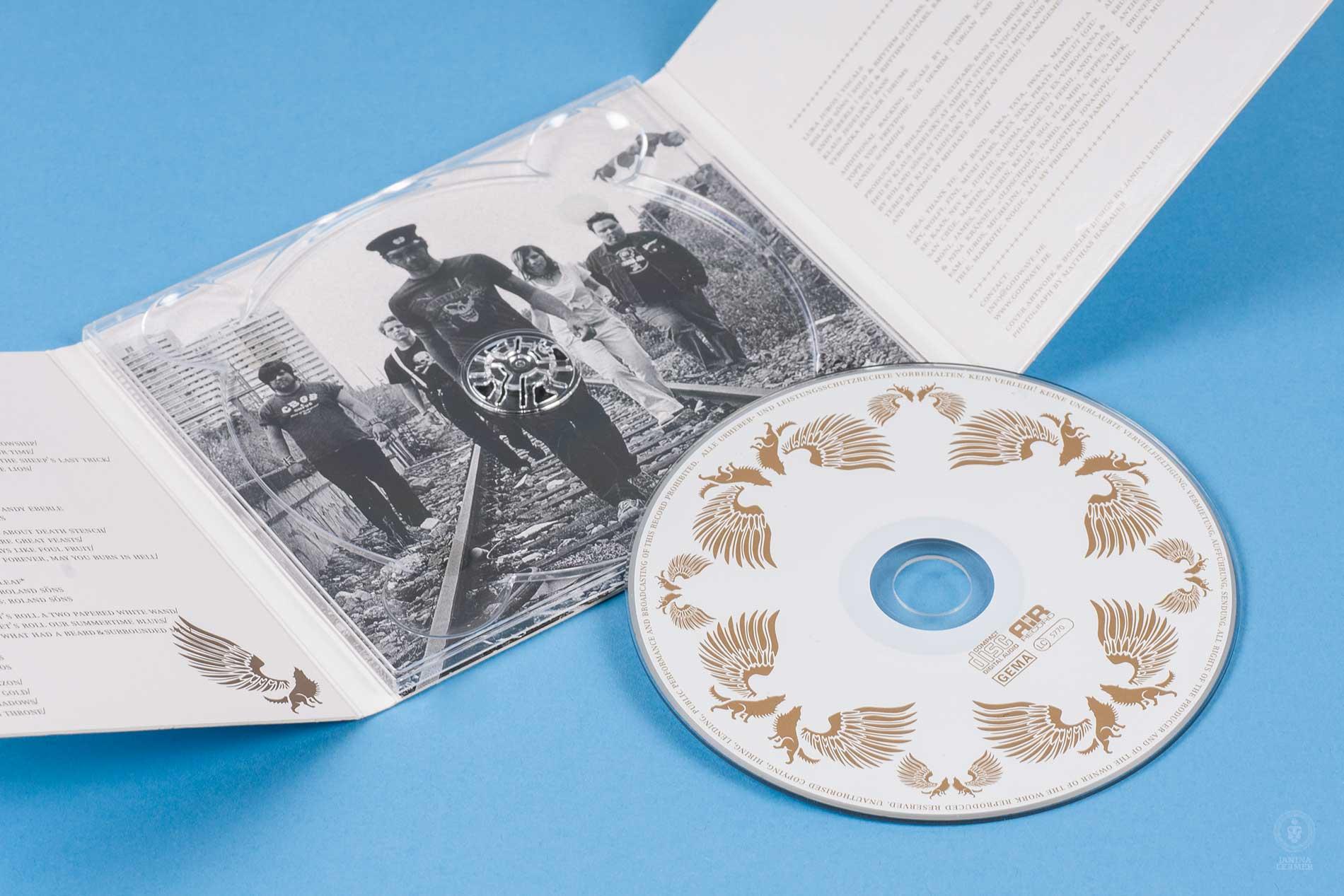 Janina-Lermer-Verpackungsgestaltung-Packagingdesign-CD-Cover-Open-2-Band-Godwave